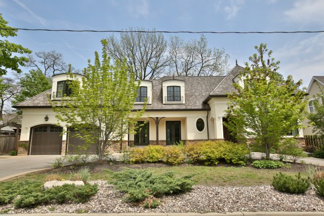 Gorgeous Custom Built Home By Legend Creek Homes In The West Harbour Area  Of Oakville. Walk To Downtown Oakville U0026 Lake Ontario. Approx 4100 Square  Feet Of ...