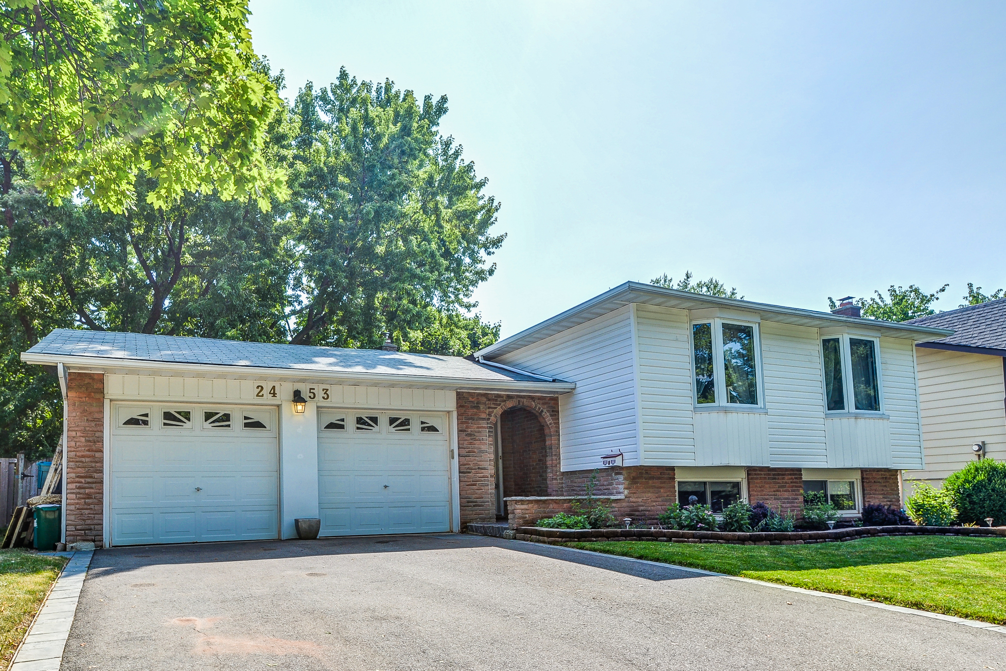 2453 Yarmouth Cres Raised Bungalow The Cardamone Group